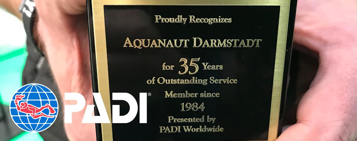 PADI ehrt Aquanaut für 35 Jahre PADI-Dive-Center …